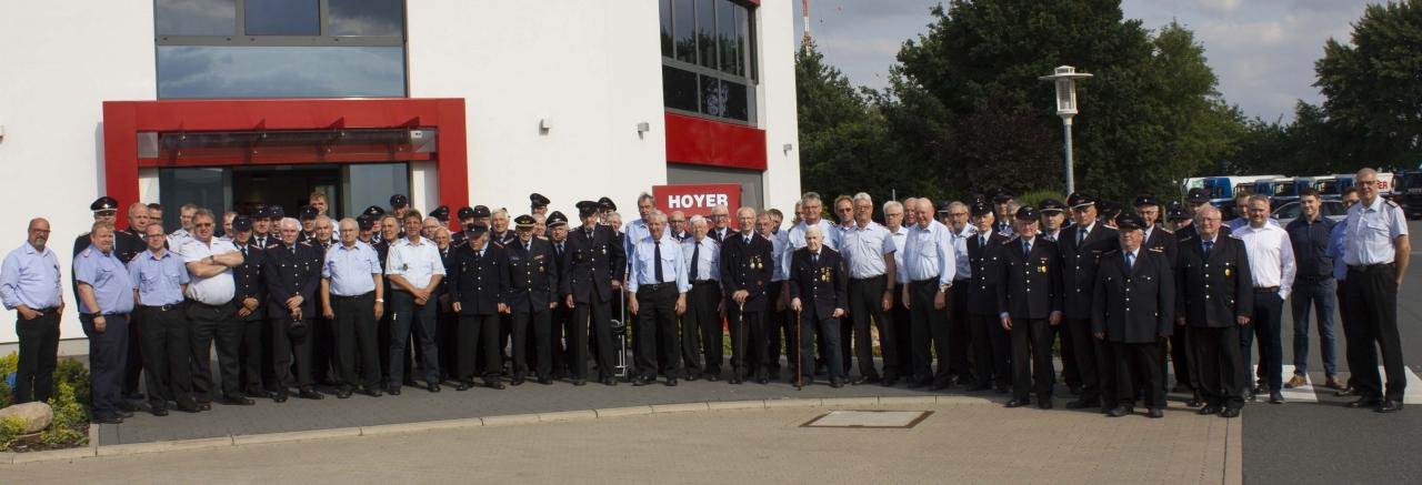 Brandschützer in der Hoyer-Zentrale